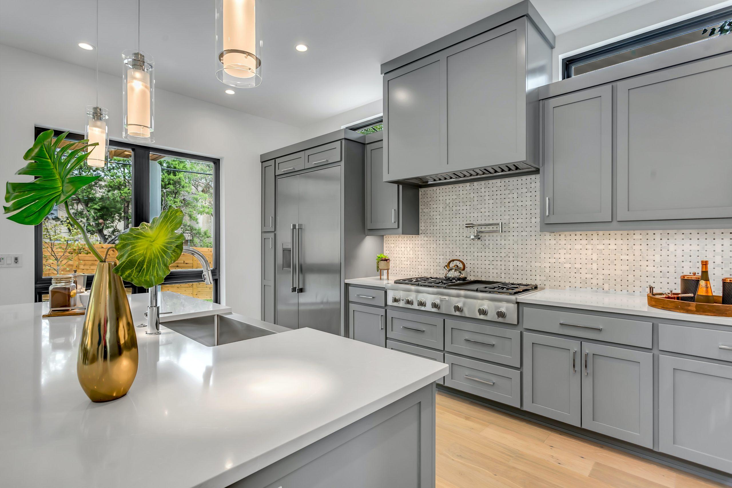 Gray Kitchen Cabinets Quartz Counters