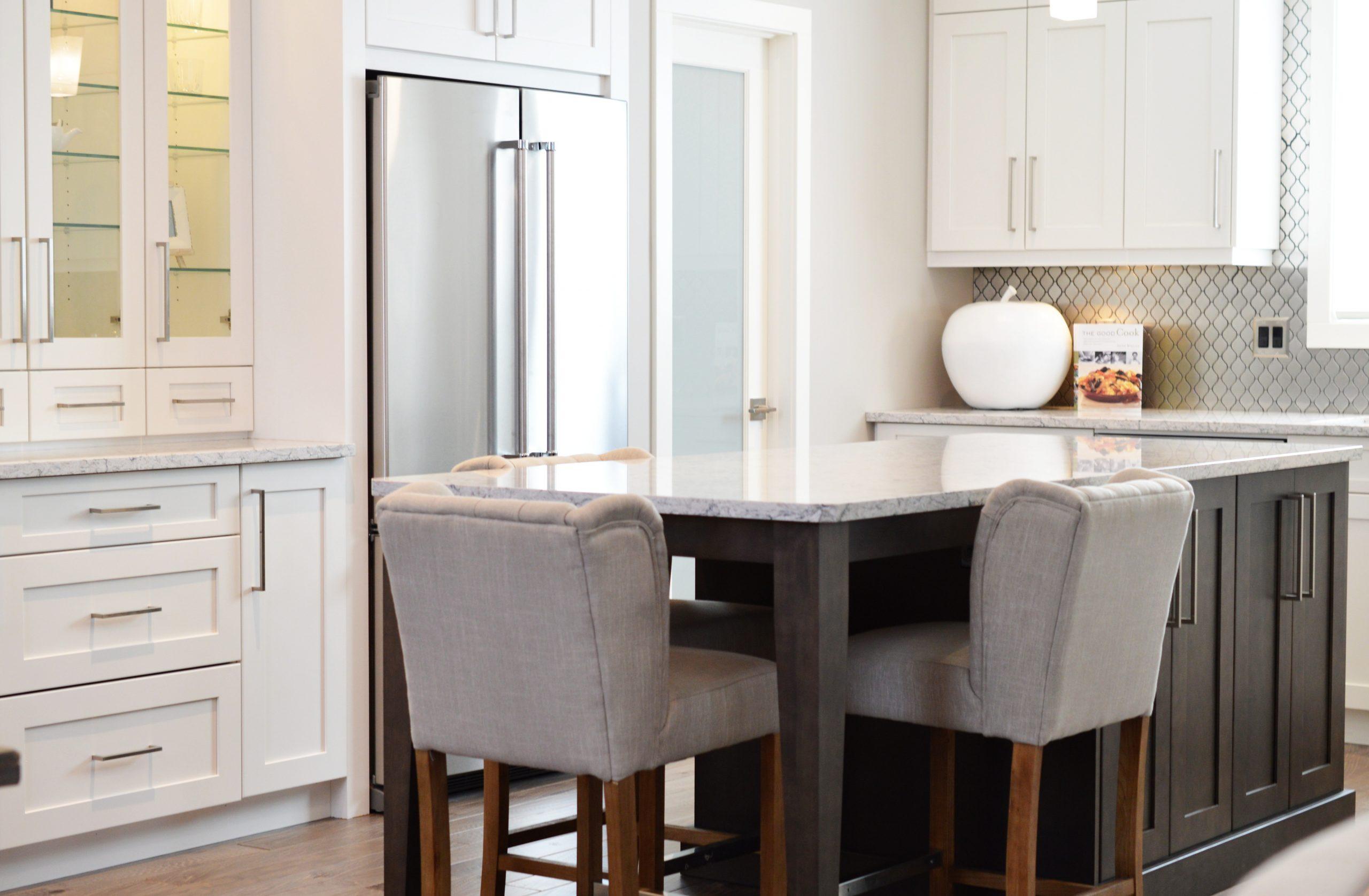 White Kitchen Cabinets 2