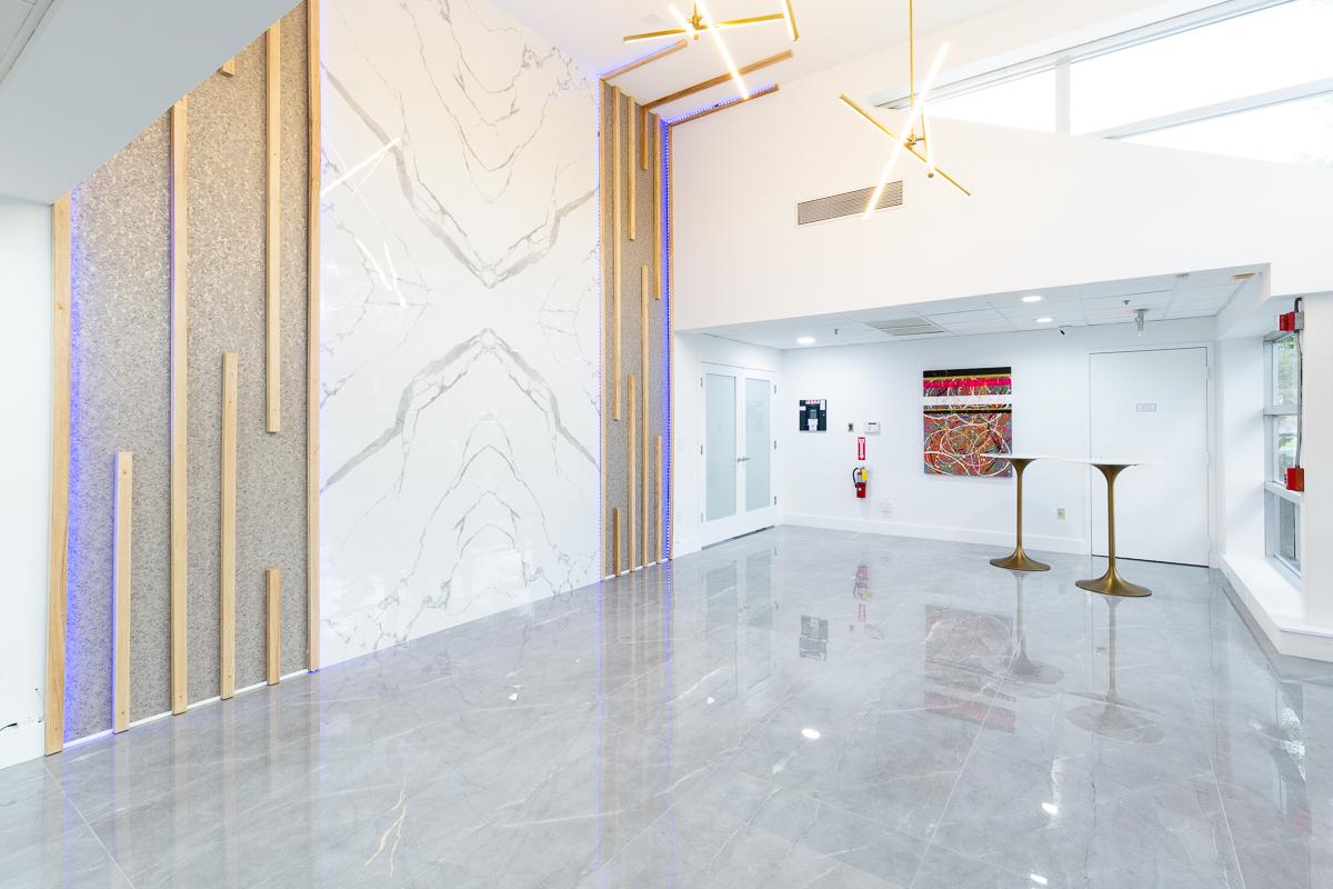 Large Format Porcelain Tile Wall Design 3